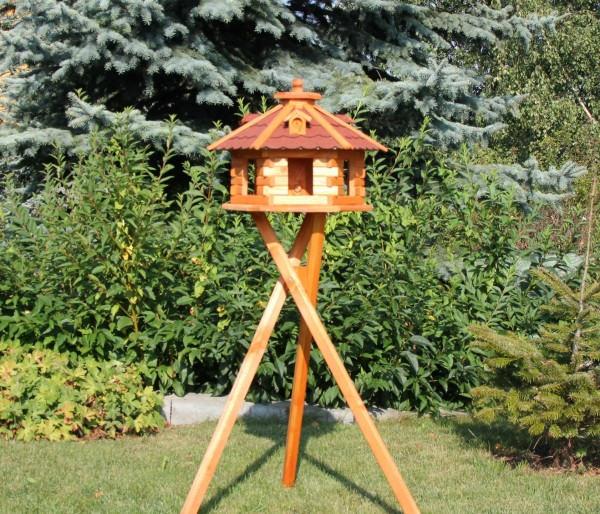 Vogelhausvilla mit Standfuss und Beleuchtung Typ 5