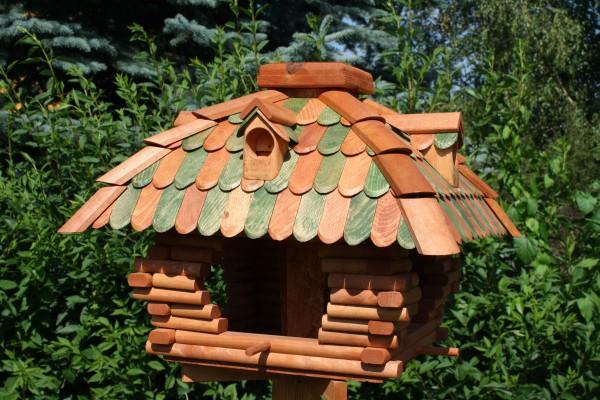 Großes Vogelhaus grün/braun Typ 12.1