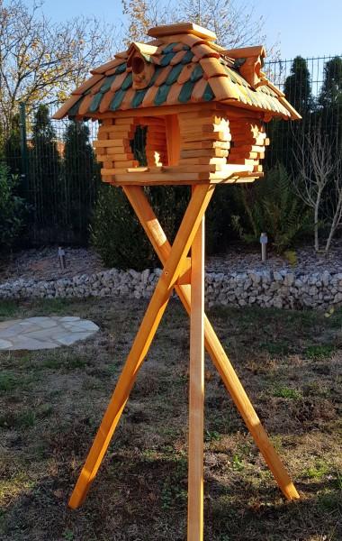 Großes Vogelhaus mit Standfuß grün/braun Typ 12.1