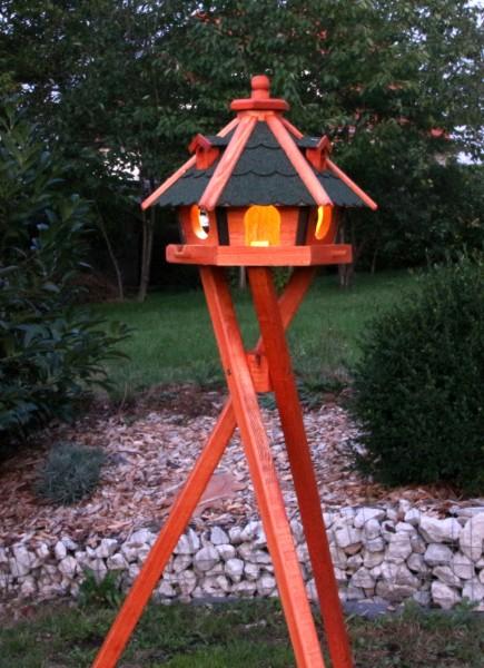 Holzvogelhaus mit Ständer und Beleuchtung Typ 23