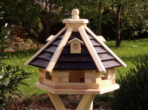 Hübsches Vogelhäuschen mit Holzlamellen und LED-Licht Typ 21